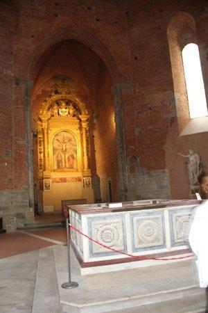 Baptistery : внутреннее оформление