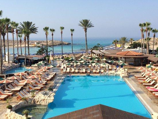 Pavlo Napa Beach Hotel : stunning hotel