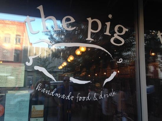 The Pig: outside