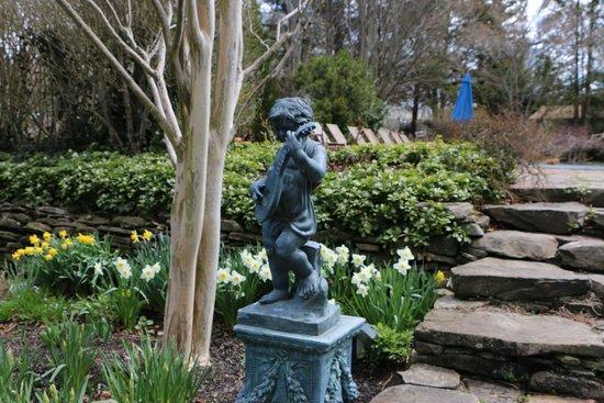 A Butler's Manor: Garten