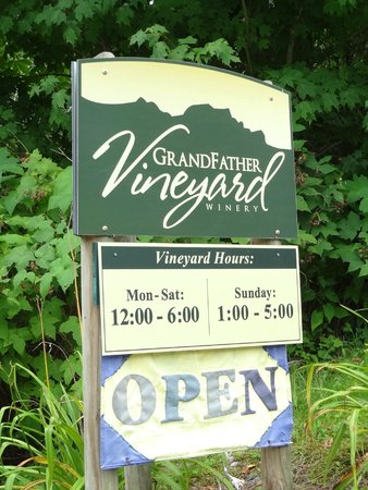 Grandfather Vineyard & Winery: Entrance sign.