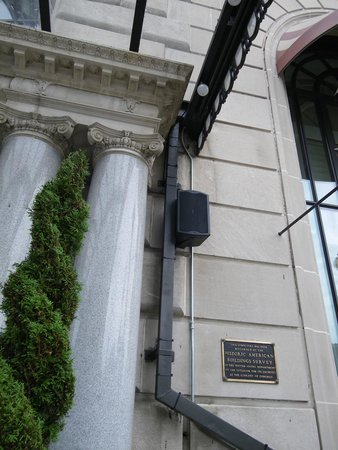 W Washington DC : The dreaded outdoor speakers