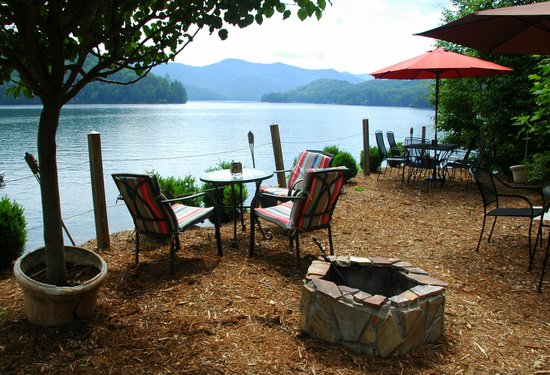 Blue Waters Mountain Lodge : Outdoor Seating