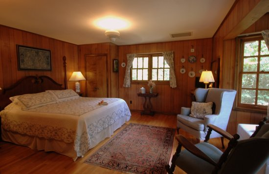 Blue Waters Mountain Lodge : Room 6 - French Country
