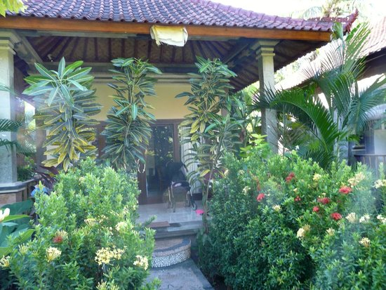 Bali Bhuana Beach Cottages : bungalow