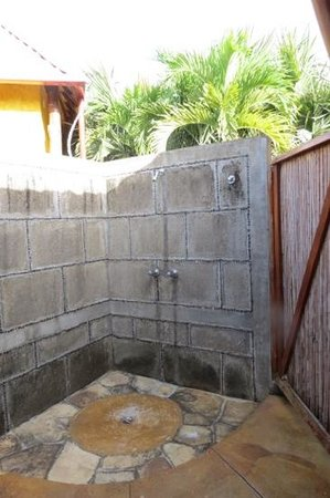 Hacienda Puerta Del Cielo Eco Spa: Outdoor shower