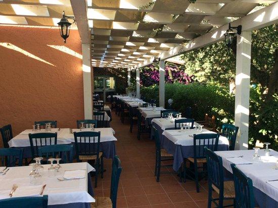 Agrustos Village: Restaurant