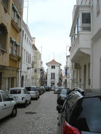Adega Oceano : Most streets are narrow and one way