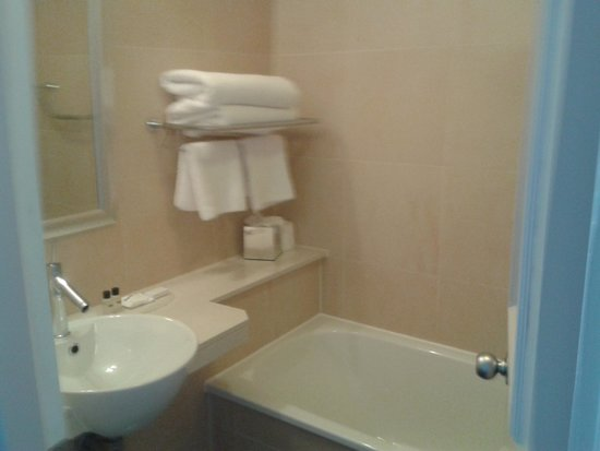 Mercure Liverpool Atlantic Tower Hotel: bathroom