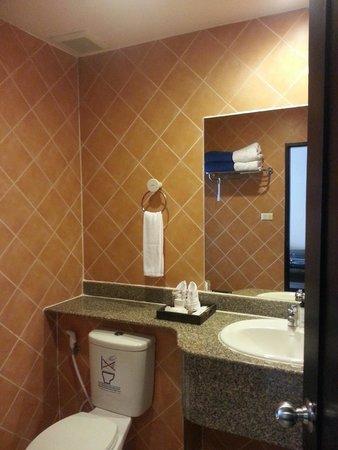 Deevana Patong Resort & Spa: Bathroom