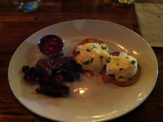 Local Public Eatery: Eggs Bennie and brown lumps with ketchup