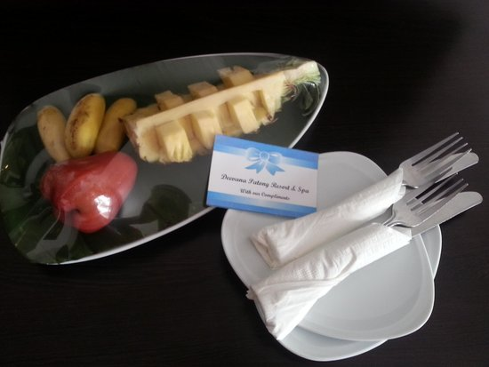 Deevana Patong Resort & Spa: Welcome Fruits