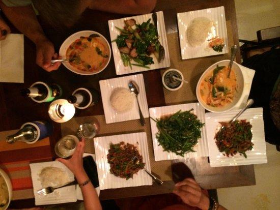 Khaw Glong Thai Restaurant: Deilig mat!