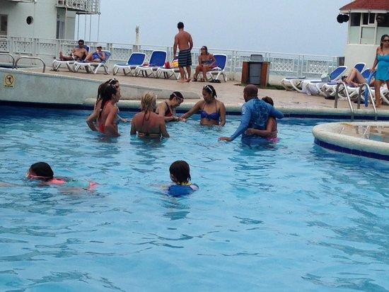 Decameron Aquarium: area da piscina