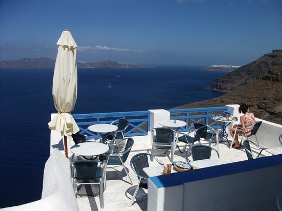 Scirocco Apartments: breakfast balcony areaPMG