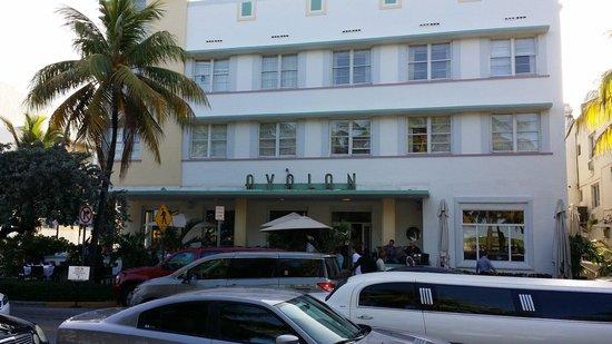 Avalon Hotel: Classic Art Deco design in a prime location