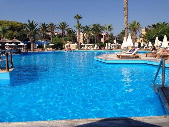 Aquila Rithymna Beach Hotel : Large pool