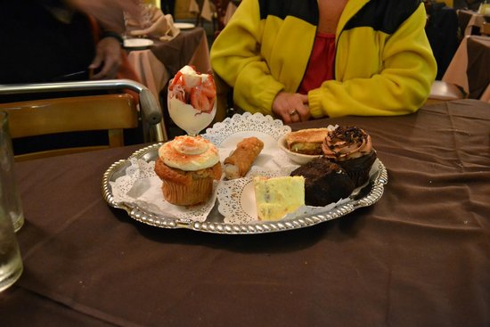 Giovanni's Restaurant: Dessert Selection