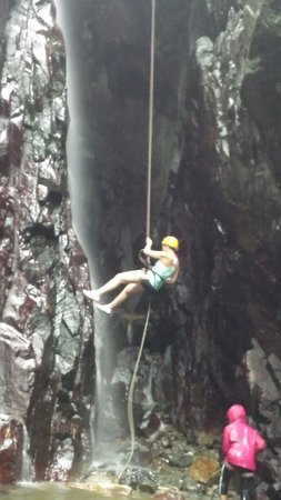 Rocaliza Adventure Tours: loved repelling!