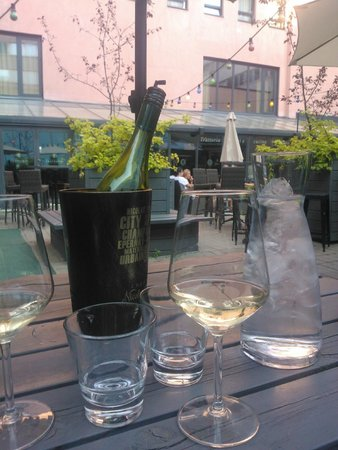 The air was hot but the wine was cool =)