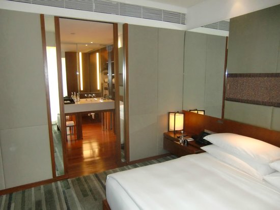Hansar Bangkok Hotel: edge suite