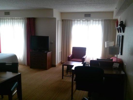 Residence Inn Newark Elizabeth/Liberty International Airport: room upon entry