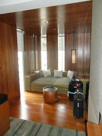 Hansar Bangkok Hotel : edge suite