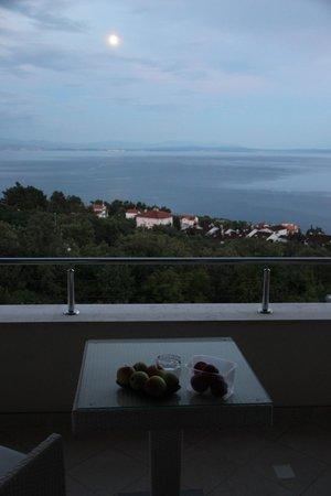 Hotel Villa Kapetanovic: Blick vom Balkon in die Kvarner