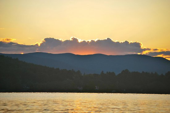 Bradford, NH: Sunset on Lake Massasecum