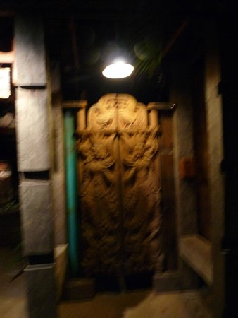 Santhiya Koh Phangan Resort & Spa: porte d entrée de la suite