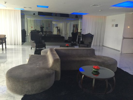 NM Lima Hotel: Lobby lounch !