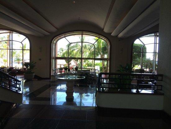 Grand Fiesta Americana Coral Beach Cancun: Bar