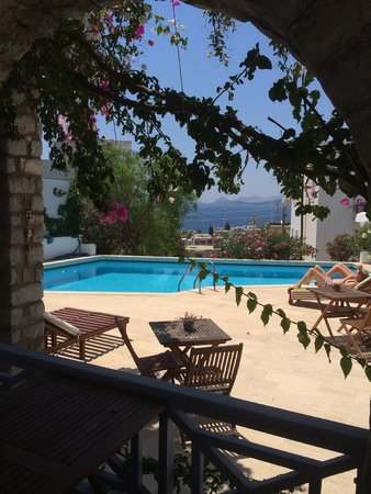 Beyaz Hotel: Utsikten från vår lilla terass utanför rummet