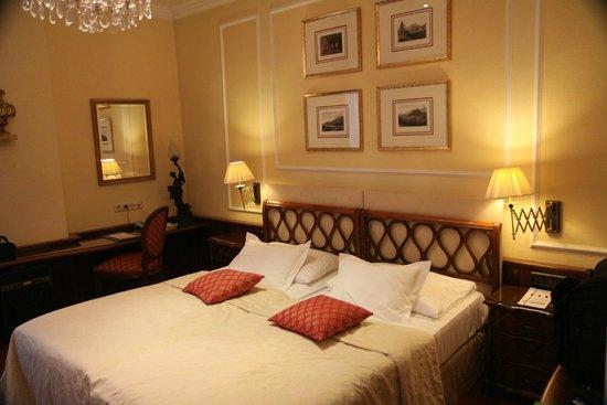 Bristol Hotel Salzburg: Bedroom
