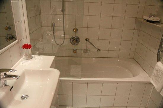 Bristol Hotel Salzburg : Bathroom