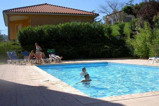 la petite piscine de l 39 h tel photo de deltour millau city hotel millau tripadvisor. Black Bedroom Furniture Sets. Home Design Ideas