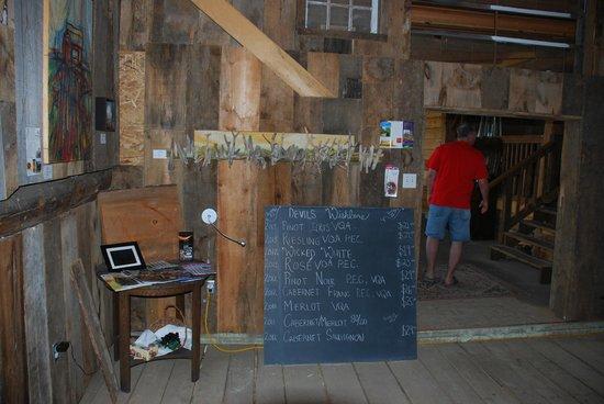 Devil's Wishbone Winery : Inside the Barn