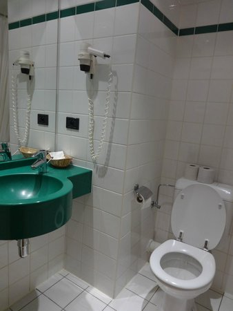 Astrid Centre Hotel Brussels: Sala de baño