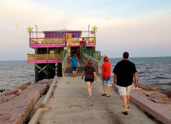 Galveston's 61st Street Fishing Pier : Walking down the pier