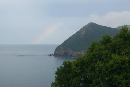 Sandy Cove Hotel: We even had a rainbow