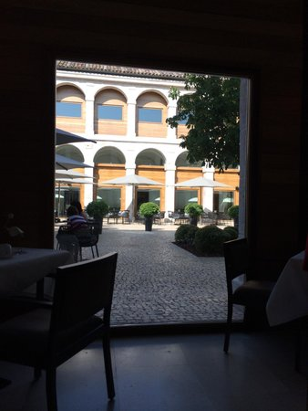 Parador de Alcalá de Henares: Vista desde el desayuno