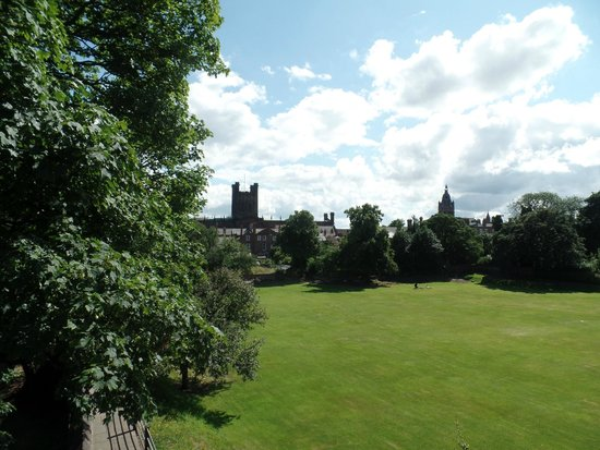 The Chester Tour: Chester Catherdral grounds from King Charles Tower
