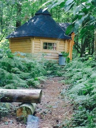 Camp Katur: Hobbit pod 1