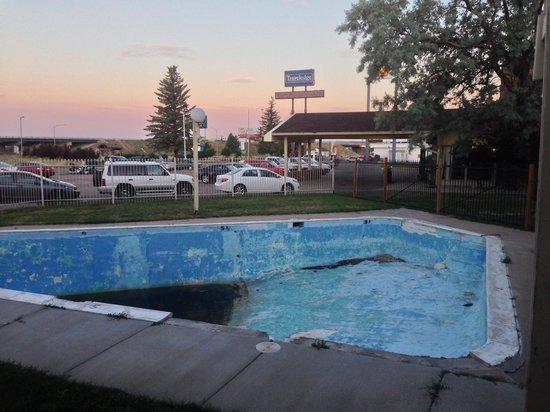 Travelodge Laramie : Former Pool