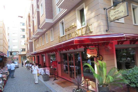 Hotel Sultania : Sultania Entrance