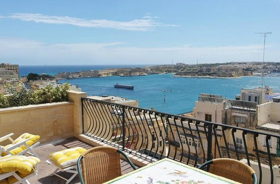 Palazzo Prince D'Orange Luxury Suites : roof top terrace with fantastic views