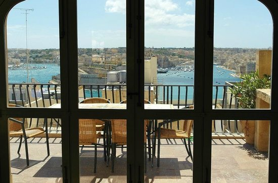 Palazzo Prince D'Orange Luxury Suites : outside roof top terrace