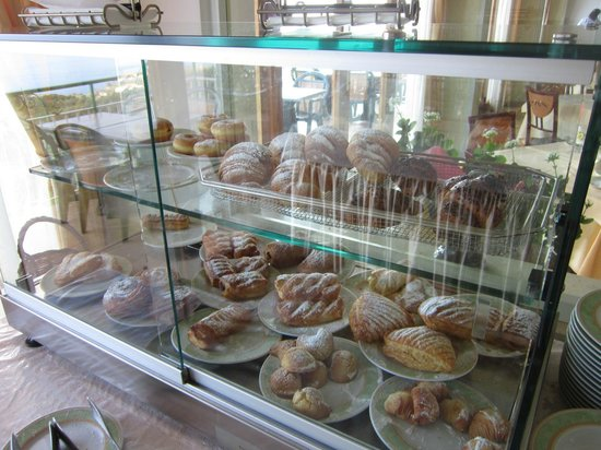 Il Nido Hotel Sorrento: Breakfast pastries