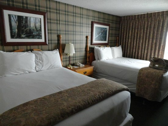 Green Granite Inn & Conference Center: the Bedroom