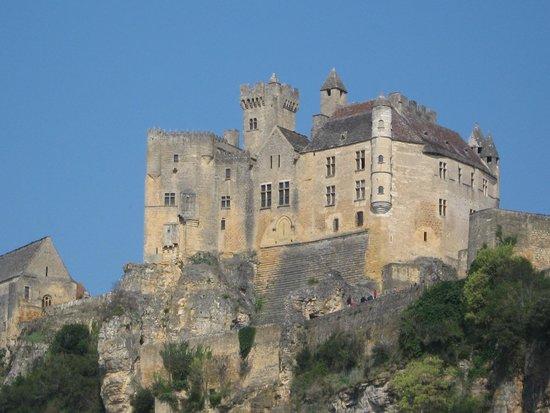 Château de Beynac : La forteresse en haut de la falaise